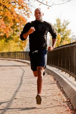 Man running with nose breathing